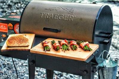 using a Traeger Tailgater Grill