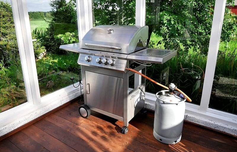 how to connect propane tank to grill