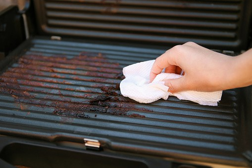 how to clean electric grill