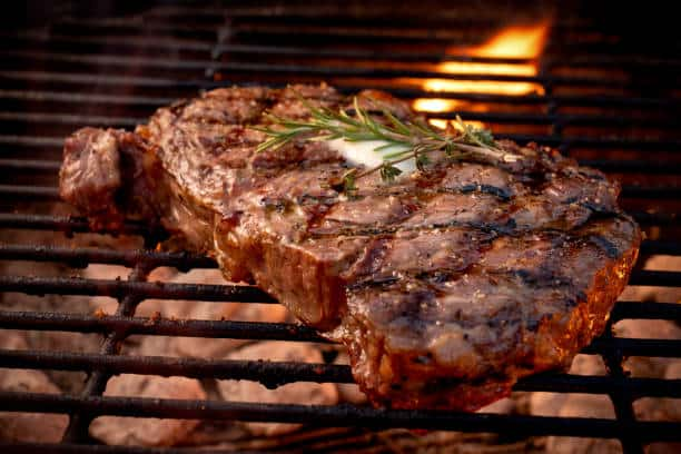 how to grill steak on charcoal grill